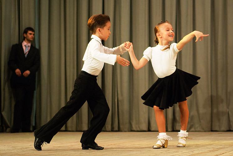 Дети на бальных танцах