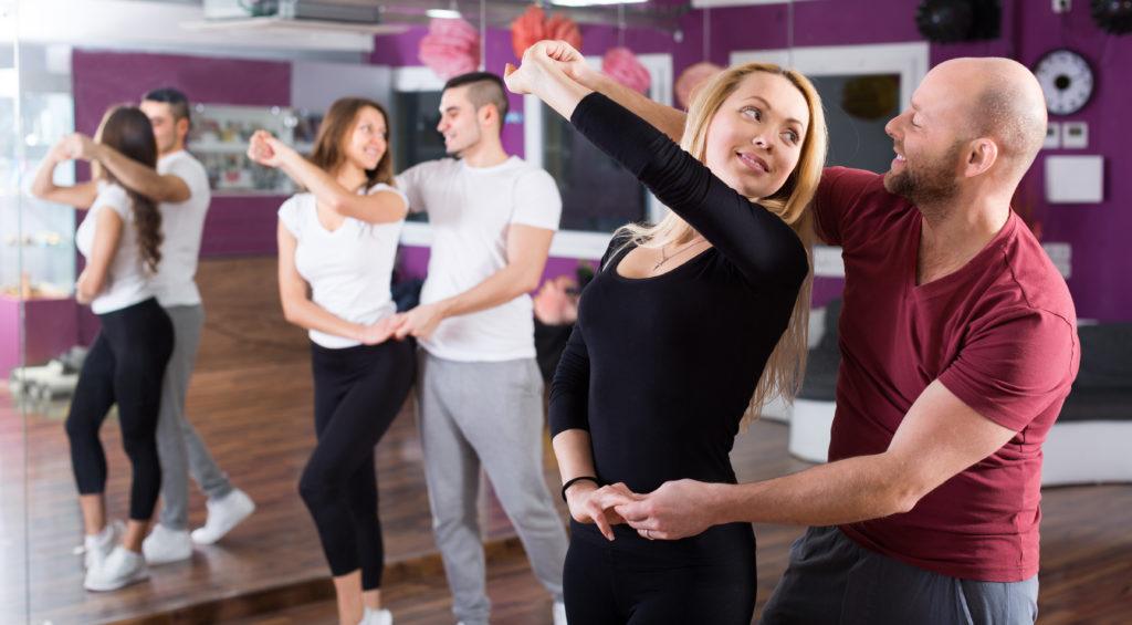 Занятия танцами для начинающих взрослых